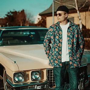 BENZZI : Découvrez la Lyrics Vidéo «ON S'ENLACE»